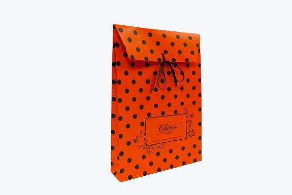 Sobres de papel para regalo con lazo